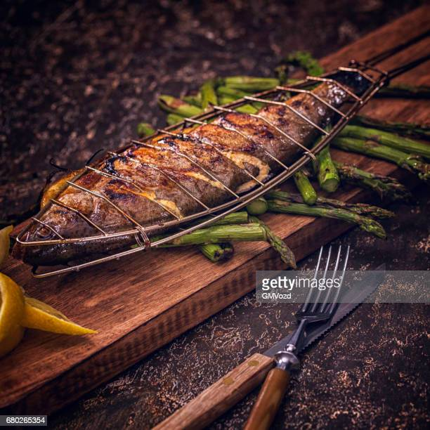 Grilled Fish with Green Asparagus