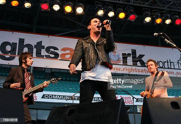 Grinspoon singer Phil Jamieson performs on stage with You Am I at the Rockin' For Rights concert at Sydney Cricket Ground on April 22 2007 in Sydney...