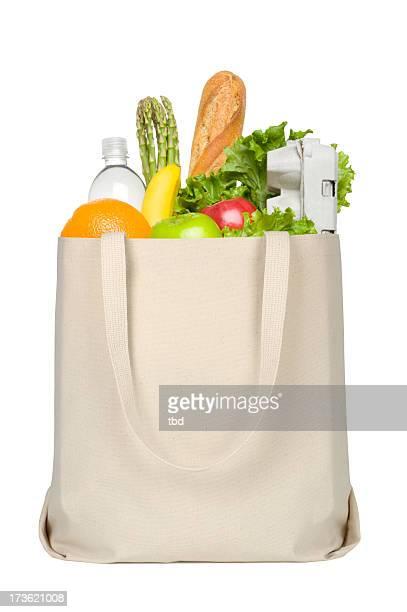Lebensmittel in Tragetasche aus Segeltuch