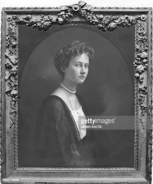 Großherzogin von Luxemburg Herzogin von Nassau Atelier Kosel Originalaufnahme im Archiv von ullstein bild