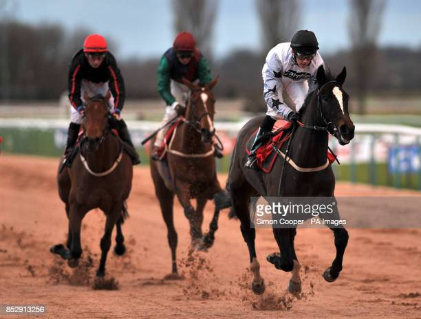 Groove Jet ridden by Martin Harley wins The 32Red Handicap Stakes at Southwell Racecourse Nottingham