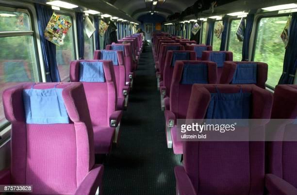 Großraumwagen im IntercityExpress der Deutschen Bahn AG Bahnverkehr Deutsche Bahn AG Großraumabteil Intercity Express Sitz Sitzplatz Zugabteil