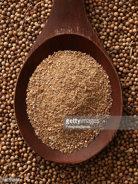 Ground coriander seeds