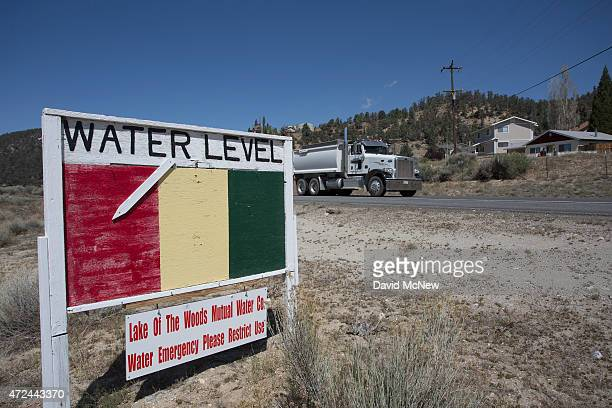 A ground water level sign emphasizes the urgency of a droughtrelated water supply emergency in the community of Lake of the Woods in Los Padres...