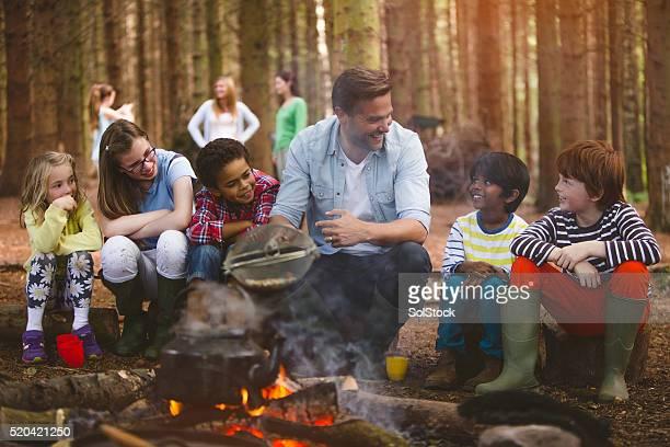 Eine Gruppe von Kindern auf eine Exkursion