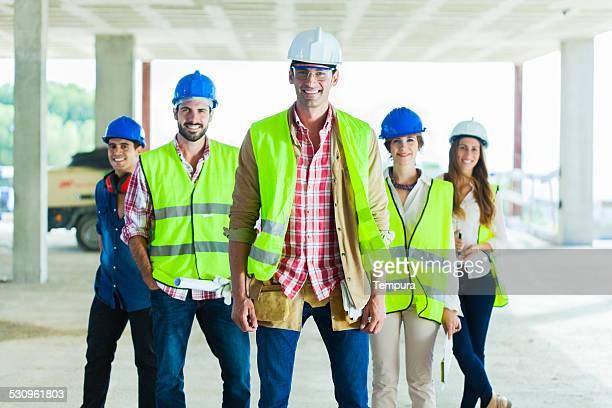Gruppe von Bauarbeitern Porträt.