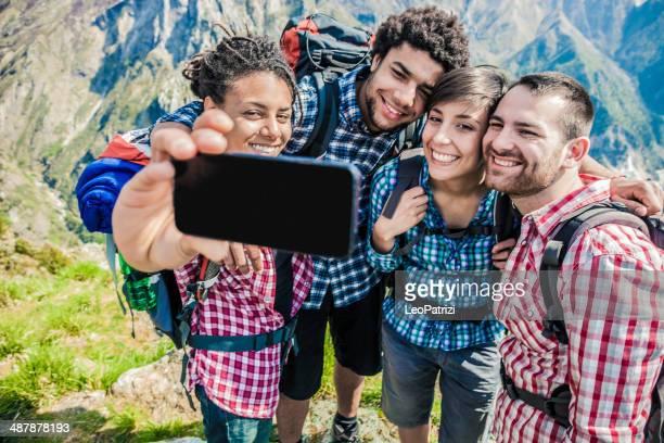 ご友人とのグループの中の「自分撮り」の山