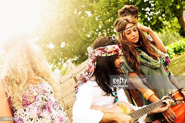 Gruppo Hippie Cantare in campagna