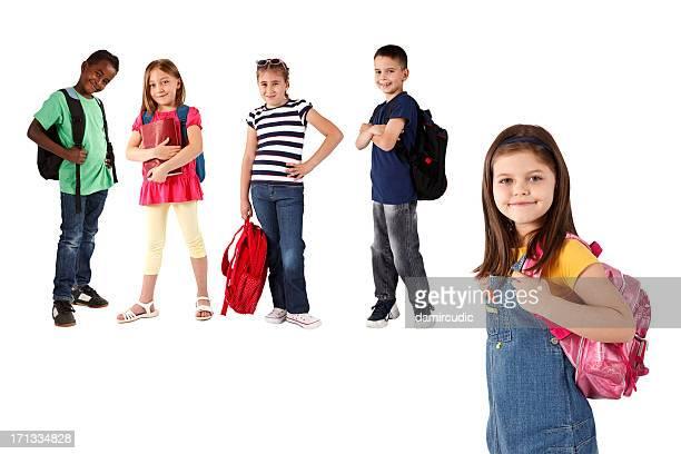 Gruppe von multi-ethnischen Kinder mit Rucksäcken