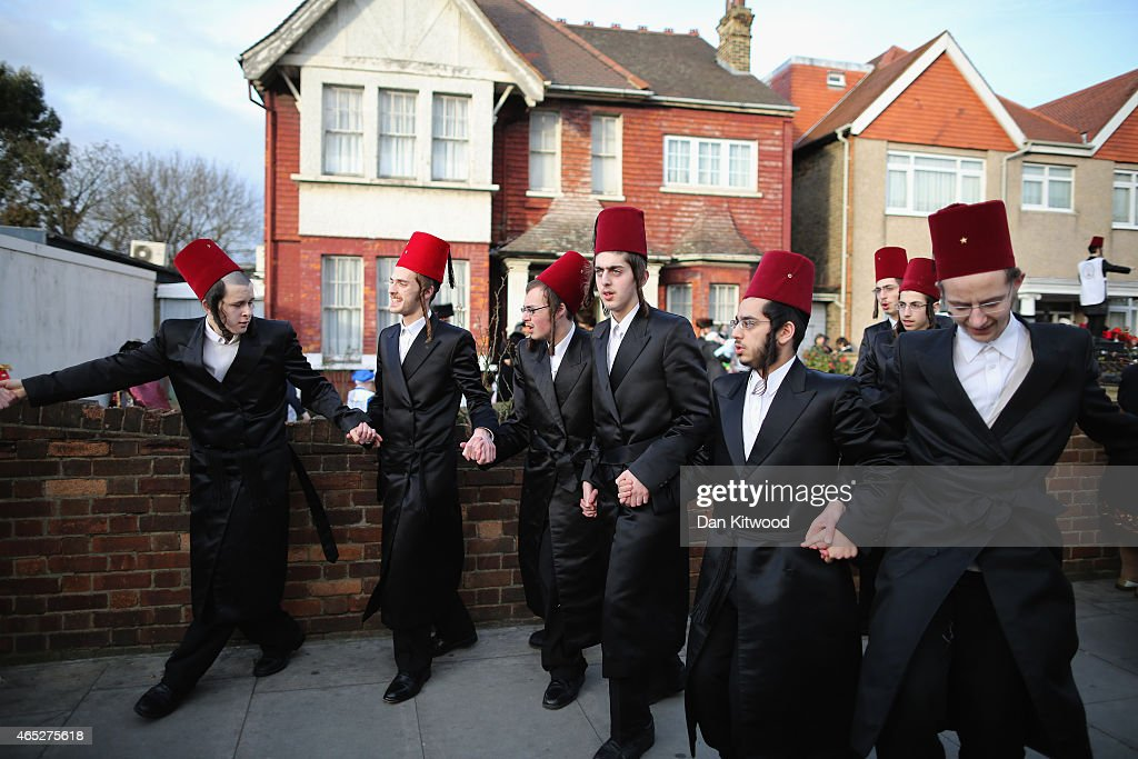 jewish single men in london Association of jewish golf clubs founded in 1992 in london caring for the historic synagogues and sites of britain's jewish community jewish singles.