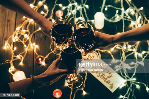 Group of people clinking wineglasses : Foto stock