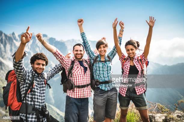 Gruppe von Menschen auf dem Berg Glück