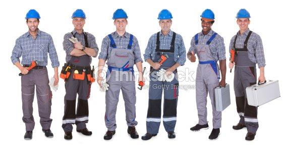 Grupo de fontanero con herramientas foto de stock thinkstock - Herramientas de fontanero ...