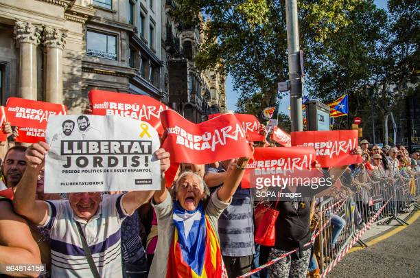 A group of protesters raised their posters and show their support for the sovereignty process About 450000 people have been focused to support the...