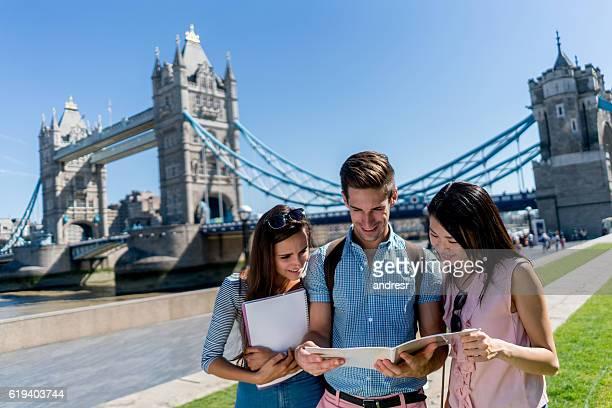 学生グループでロンドン