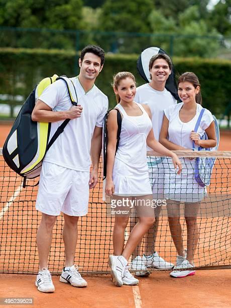 Groupe de joueurs de tennis