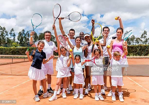 Grupo de jugadores de tenis