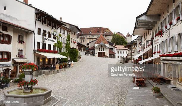 Gruyères market square 2