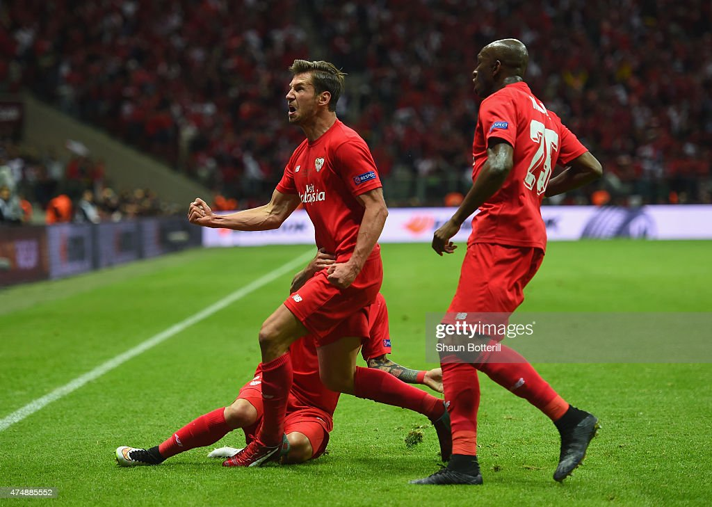 Grzegorz Krychowiak of FC Sevilla celebrates after scoring during the UEFA Europa League Round Final match between FC Dnipro Dnipropetrovsk and FC Sevilla on May 27, 2015 in Warsaw, Poland.