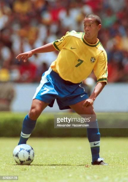 CUP 1999 Guadalajara/MEX DEUTSCHLAND BRASILIEN 04 RONALDINHO/BRA