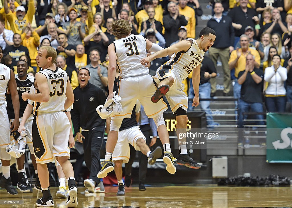 Guard <a gi-track='captionPersonalityLinkClicked' href=/galleries/search?phrase=Fred+VanVleet&family=editorial&specificpeople=10612238 ng-click='$event.stopPropagation()'>Fred VanVleet</a> #23 and <a gi-track='captionPersonalityLinkClicked' href=/galleries/search?phrase=Ron+Baker+-+Joueur+de+basketball&family=editorial&specificpeople=13909614 ng-click='$event.stopPropagation()'>Ron Baker</a> #31 of the Wichita State Shockers celebrate after a scoring run against the Illinois State Redbirds during the first half on February 27, 2016 at Charles Koch Arena in Wichita, Kansas.