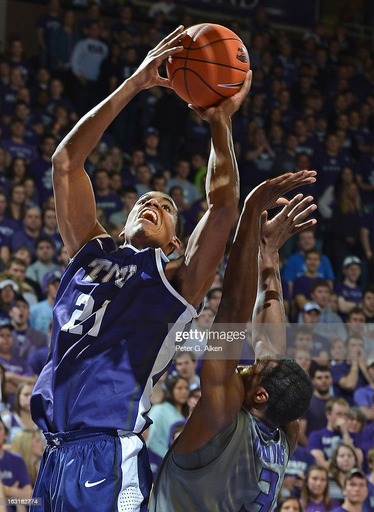 Guard Nate Butler Lind #21 of the Texas Christian Horned Frogs drives to the basket against the Kansas State Wildcats during the first half on March 5, 2013 at Bramlage Coliseum in Manhattan, Kansas. Kansas State defeated Texas Christian 79-68.