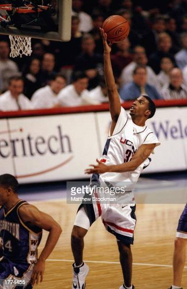 Guard Richard Hamilton of the University of Connecticut Huskies in action during the Great Eight Classic against the Washington Huskies on December 1...