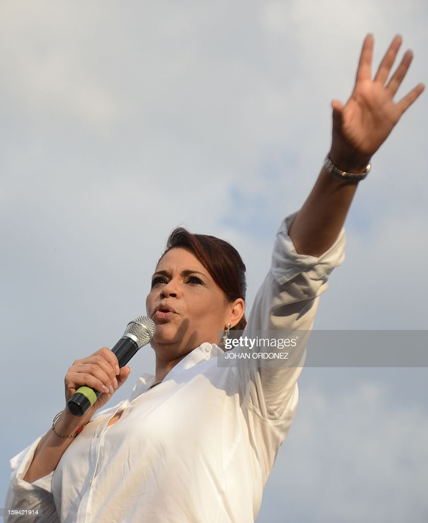 Guatemalan Vice-President Raxana Baldetti delivers a speech during the commemoration of the first year of the administration on January 13, 2012 at La Alameda neighborhood in Guatemala City. AFP PHOTO Johan ORDONEZ