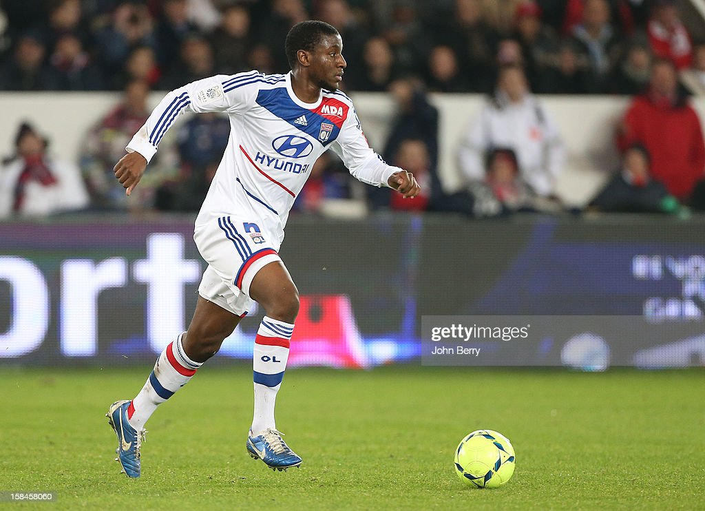 <a gi-track='captionPersonalityLinkClicked' href=/galleries/search?phrase=Gueida+Fofana&family=editorial&specificpeople=4309091 ng-click='$event.stopPropagation()'>Gueida Fofana</a> of Lyon in action during the French Ligue 1 match between Paris Saint Germain FC and Olympique Lyonnais OL at the Parc des Princes stadium on December 16, 2012 in Paris, France.