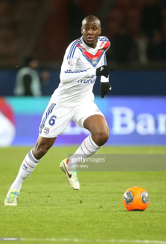 <a gi-track='captionPersonalityLinkClicked' href=/galleries/search?phrase=Gueida+Fofana&family=editorial&specificpeople=4309091 ng-click='$event.stopPropagation()'>Gueida Fofana</a> of Lyon in action during the French Ligue 1match between Paris Saint-Germain FC and Olympique Lyonnais at the Parc des Princes stadium on December 1, 2013 in Paris, France.