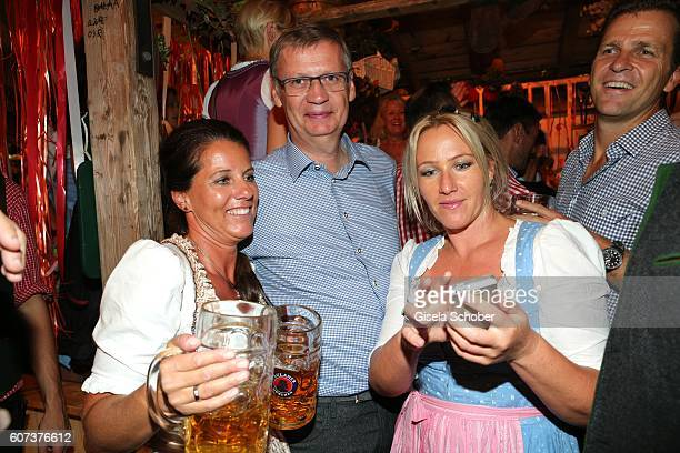 Guenther Jauch and fans during the opening of the oktoberfest 2016 at the 'Kaeferschaenke' beer tent at Theresienwiese on September 17 2016 in Munich...
