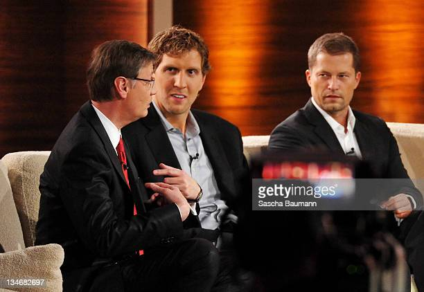 Guenther Jauch is been offered the position as Gottschalks successor while sitting next to Dirk Nowitzki and Till Schweiger during the 199th 'Wetten...