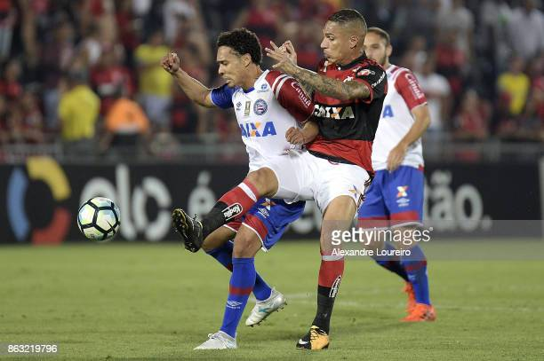 Guerrero of Flamengo battles for the ball with Edigar Junio of Bahia during the match between Flamengo and Bahia as part of Brasileirao Series A 2017...