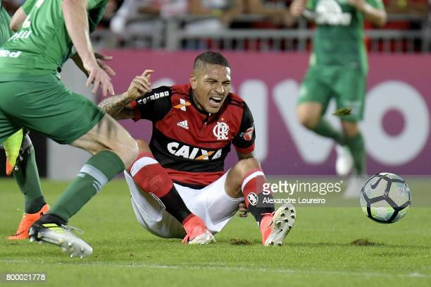 Guerrero of Flamengo yells during the match between Flamengo and Chapecoense as part of Brasileirao Series A 2017 at Ilha do Urubu Stadium on June 22...