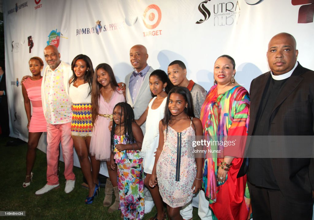 Guest, Danny Simmons, <a gi-track='captionPersonalityLinkClicked' href=/galleries/search?phrase=Angela+Simmons&family=editorial&specificpeople=653461 ng-click='$event.stopPropagation()'>Angela Simmons</a>, <a gi-track='captionPersonalityLinkClicked' href=/galleries/search?phrase=Ming+Lee+Simmons&family=editorial&specificpeople=852104 ng-click='$event.stopPropagation()'>Ming Lee Simmons</a>, Miley Simmons, <a gi-track='captionPersonalityLinkClicked' href=/galleries/search?phrase=Russell+Simmons&family=editorial&specificpeople=202479 ng-click='$event.stopPropagation()'>Russell Simmons</a>, Russy Simmons, <a gi-track='captionPersonalityLinkClicked' href=/galleries/search?phrase=Justine+Simmons&family=editorial&specificpeople=2207556 ng-click='$event.stopPropagation()'>Justine Simmons</a> and Joseph 'Rev Run' Simmons attend the 13th Annual Russel Simmons Rush philanthropic ART FOR LIFE on July 28, 2012 in East Hampton, New York.