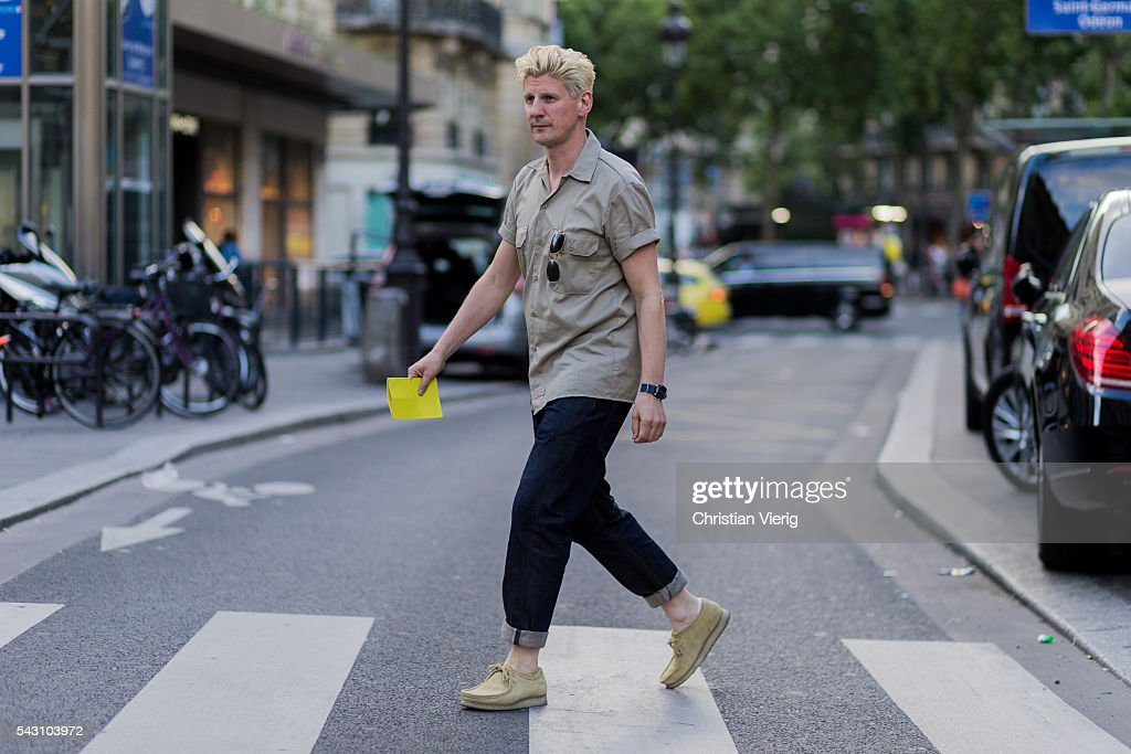 guest outside Hermes during the Paris Fashion Week Menswear Spring/Summer 2017 on June 25, 2016 in Paris, France.