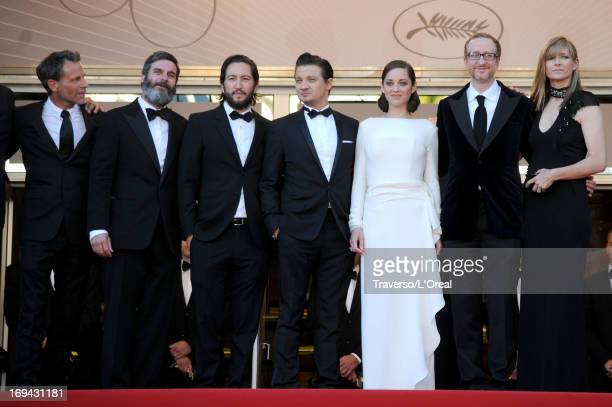 Guest producers Anthony Katagas Greg Shapiro actors Jeremy Renner Marion Cotillard director James Gray and Alexandra Dickson Gray attend the 'The...
