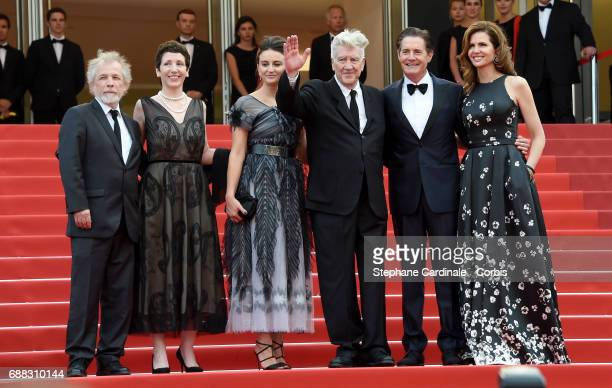 Guest Sabrina Sutherland Emily Stofle David Lynch Kyle MacLachlan and Desiree Gruber attend the 'Twin Peaks' screening during the 70th annual Cannes...