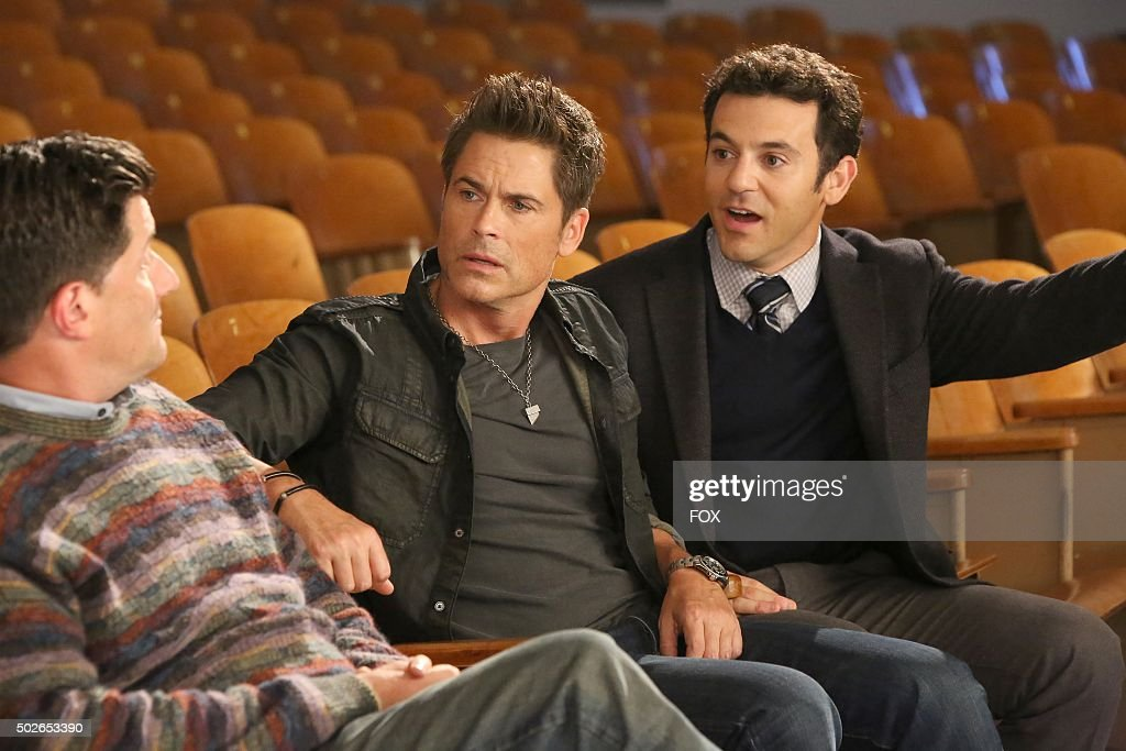 Guest star Michael Showalter Rob Lowe and Fred Savage in the 'No One Cheers for the Shadow Boys' episode of THE GRINDER airing Tuesday Nov 17 on FOX