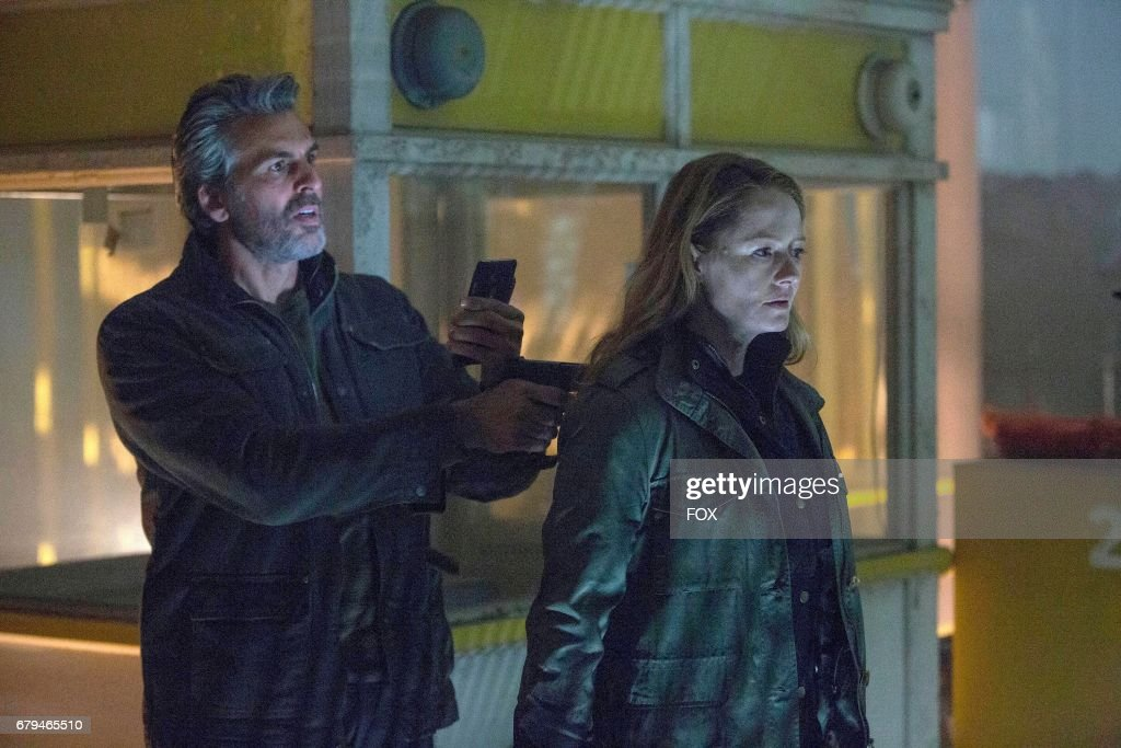 Guest star Oded Fehr and Miranda Otto in the '11:00 PM-12:00 AM' season finale episode of 24: LEGACY airing Monday, April 17 (8:00-9:01 PM ET/PT) on FOX.