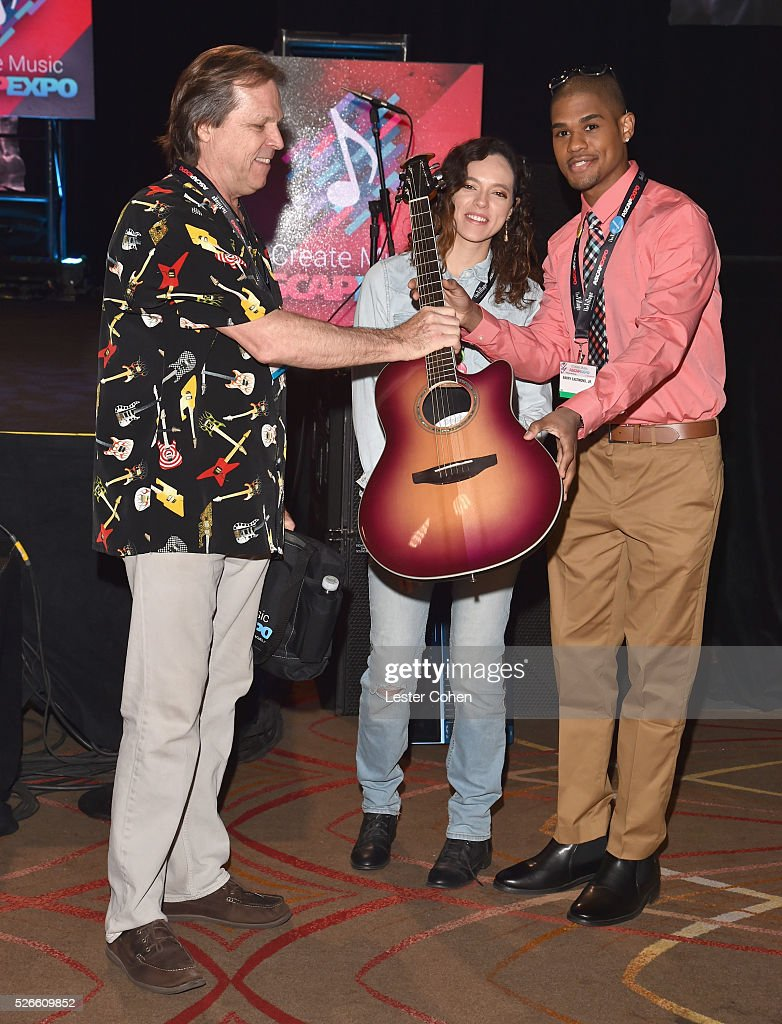 EXPO guests accept gear and prizes from event sponsors during the 2016 ASCAP 'I Create Music' EXPO on April 30, 2016 in Los Angeles, California.