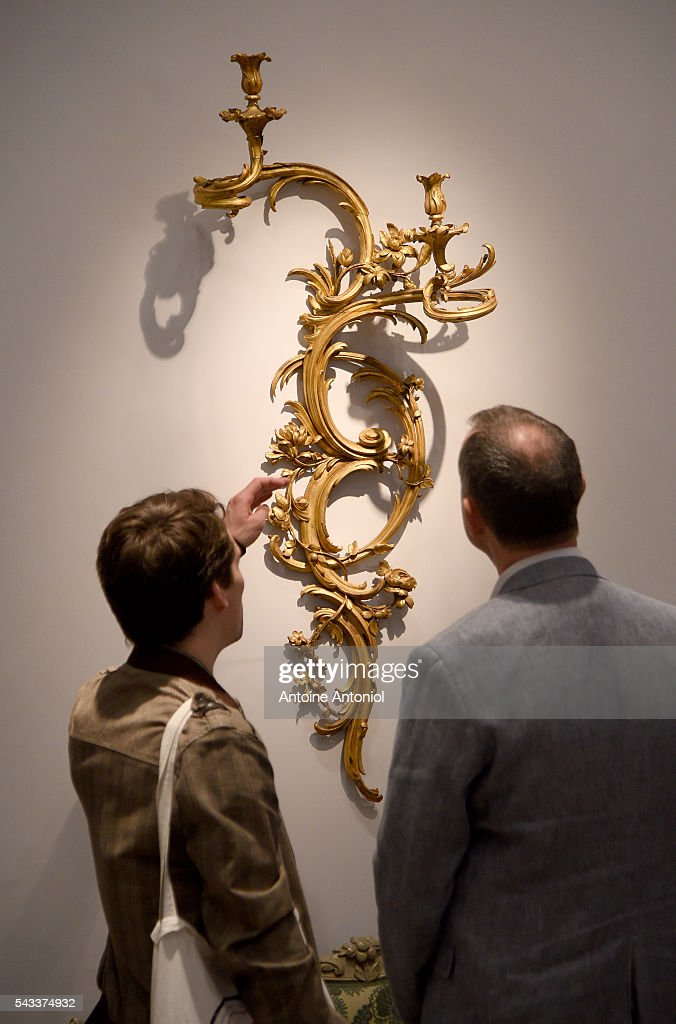 Guests attends the presentation of Collection Steinitz at Sotheby's on June 27, 2016 in Paris, France. Sotheby's France is delighted to offer at auction on 30 June, over 170 pieces that mainly come from the collection of dealer Bernard Steinitz, who died on 12 October 2012, and his wife Simone.