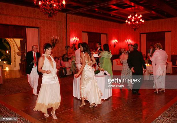 Guests dance in the ballroom at the wedding of actor/producer Alan Thicke and model Tanya Callau on May 7 2005 at The OneOnly Pamilla Resort in Cabo...