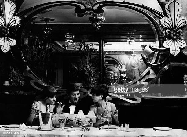 guests in the restaurant 'Maxim's# 1976 Photographer Jochen Blume Published by 'Berliner Morgenpost' Vintage property of ullstein bild