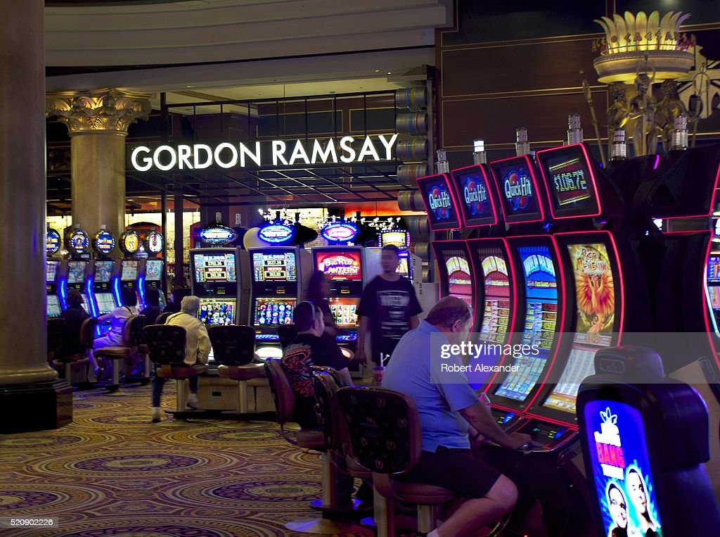 How to play slot machines at caesars palace ladbrokes online casino review