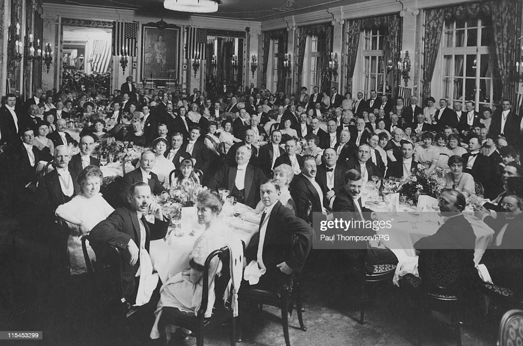 Guests seated at tables during a banquet held for US hotel owners in the presence of the US ambassador at the Hotel Adlon in Berlin Germany 4 May...