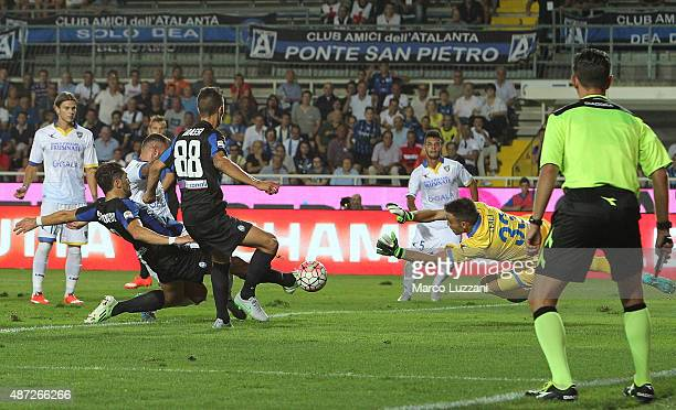 Guglielmo Stendardo of Atalanta BC scores the opening goal during the Serie A match between Atalanta BC and Frosinone Calcio at Stadio Atleti Azzurri...
