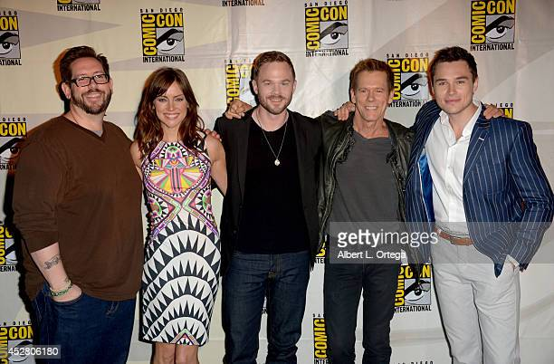 TV Guide's Damian Holbrook and actors Jessica Stroup Shawn Ashmore Kevin Bacon and Sam Underwood attend FOX's 'The Following' panel during ComicCon...