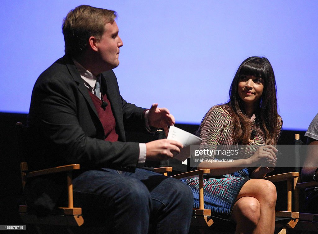 TV Guide's Rob Moynihan (L) and actress Hannah Simone speak onstage at the 'New Girl' Season 3 Finale Screening and cast Q&A at Zanuck Theater at 20th Century Fox Lot on May 8, 2014 in Los Angeles, California.