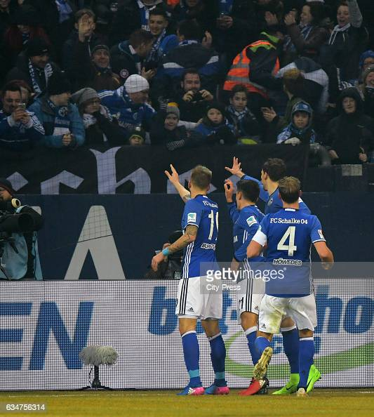 Schalke 04 v Hertha BSC - 1 Bundesliga : News Photo